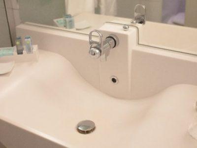 洗面所風水~色の使い方&開運アクション【南西方角】