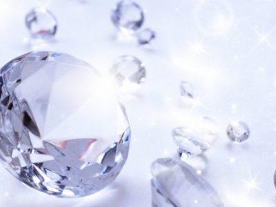 パワーストーンの種類・効果~ダイヤモンドで金運アップ~